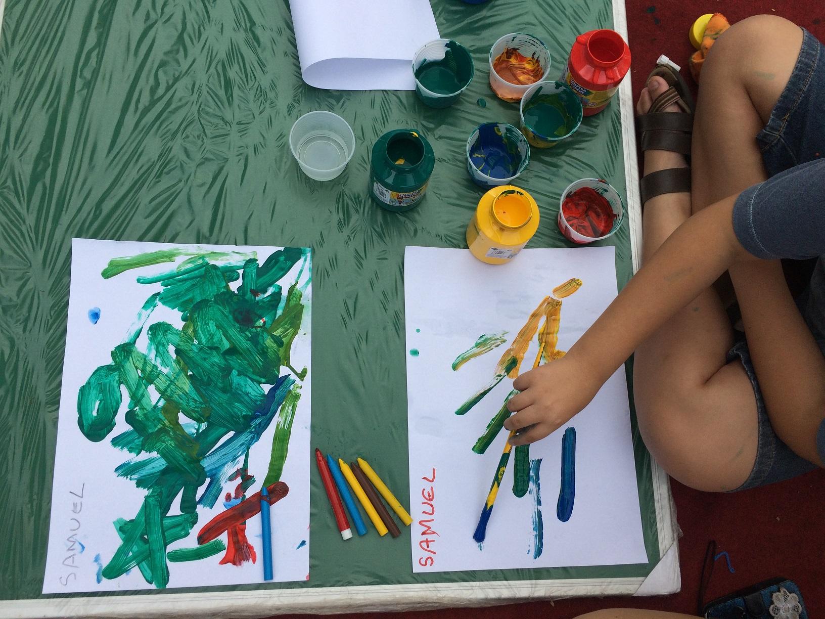 b72e9a1e45 Crianças autistas assinam coleção de camisaria paranaense